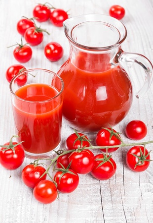 juicing tomatoes